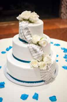 Image of a Wedding Cake. Version Six