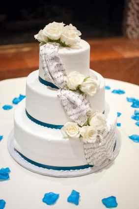 Image of a Wedding Cake. Version Six